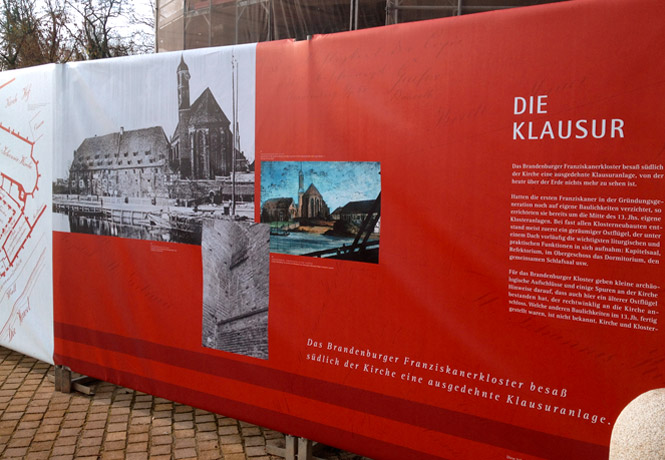 Brandenburg_Bauzaun_Johanniskirche_FischundBlume_01